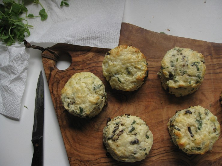 Savoury Sundried Tomato Scones | One Wooden Spoon