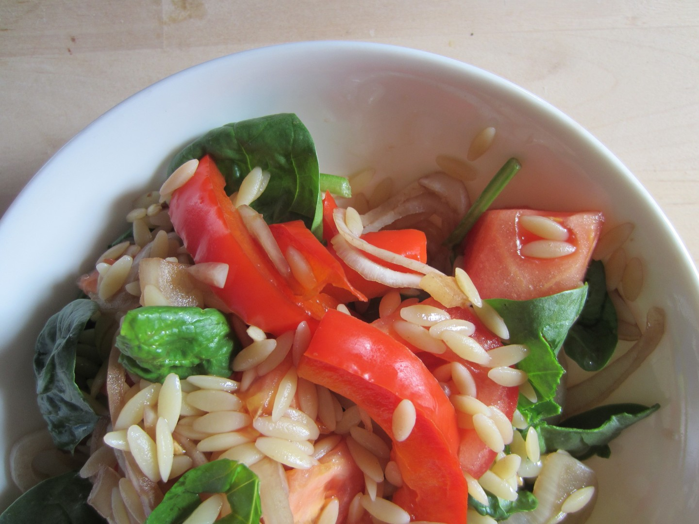 Summer Orzo Salad with Tomatoes & Roasted Bell Peppers